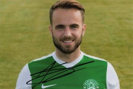 Andrew Shinnie, Hibernian, signed 6x4 inch photo.